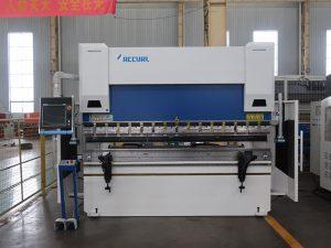 Maszyna do pras stalowych WC67K 200t ze stali cnc Maszyna do pras krawędziowych 6m z niską ceną na eksport
