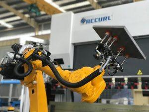 Zrobotyzowany system zginania dla automatycznej prasy krawędziowej robota z blachy