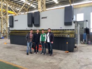 Klienci z Wietnamu odwiedzają naszą fabrykę